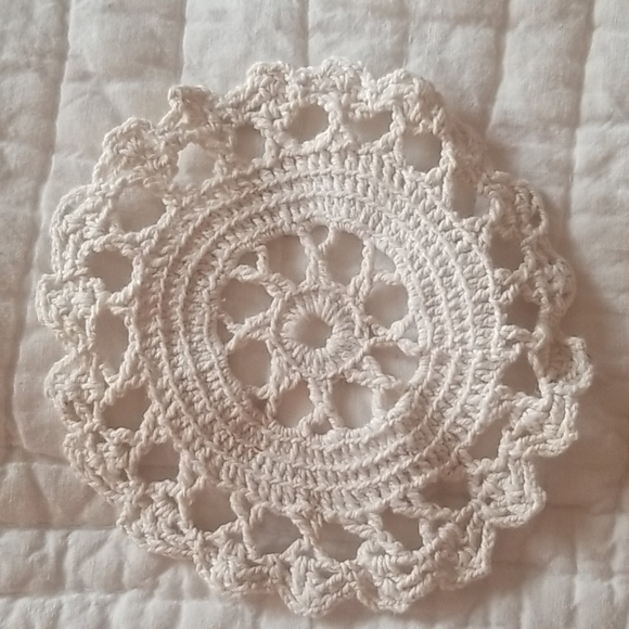 Hand crafted Vintage Cotton Ecru Doilie